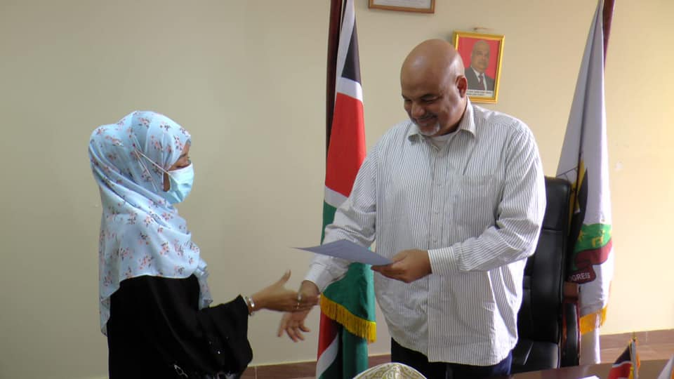 Governor Fahim Twaha has today overseen the issuance of appointment letters to 19 new county officials
