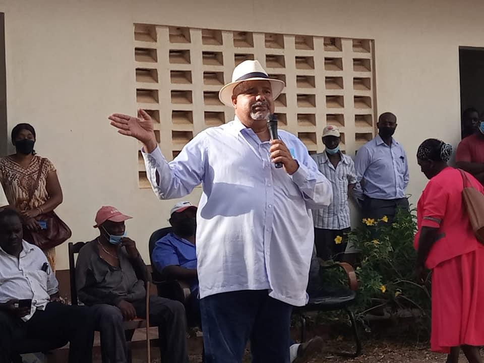 Lamu Governor Fahim Twaha hands over relief food to residents of HONGWE MJINI, SESE, MSEFUNI, KIBAONI,DAM, PELELEZA,HESHIMA AND MIKOROSHONI AREAS in Hongwe Ward, Lamu West.